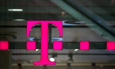 Budapest, 2012. július 17. A Magyar Telekom logója a Magyar Telekom T-Pont üzletében, a budapesti Mammut bevásárlóközpontban. MTI Fotó: Mohai Balázs