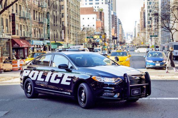 ford-police-responder-hybrid-sedan-2-970x647-c