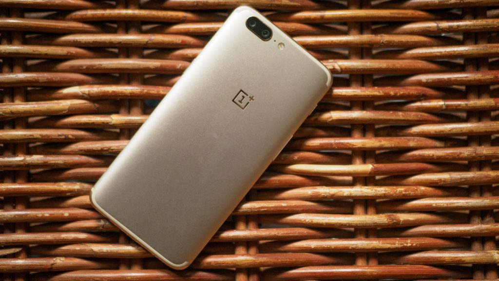 oneplus-wicker-1-of-1