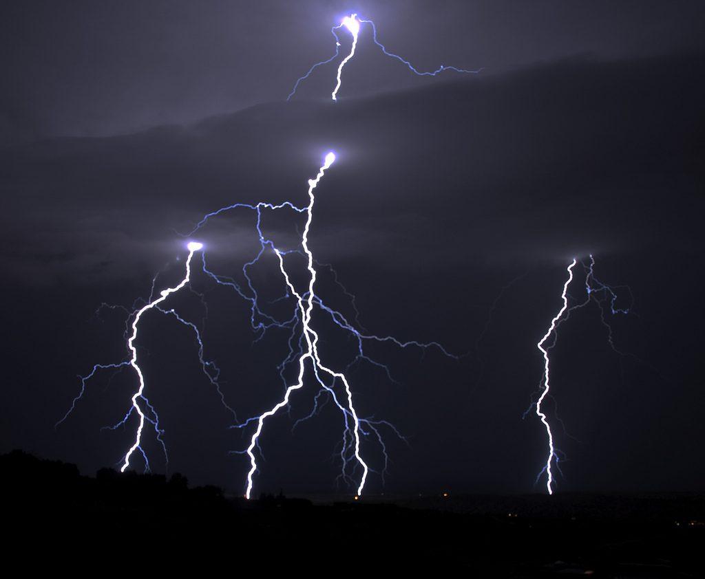 lightning_snowpeak
