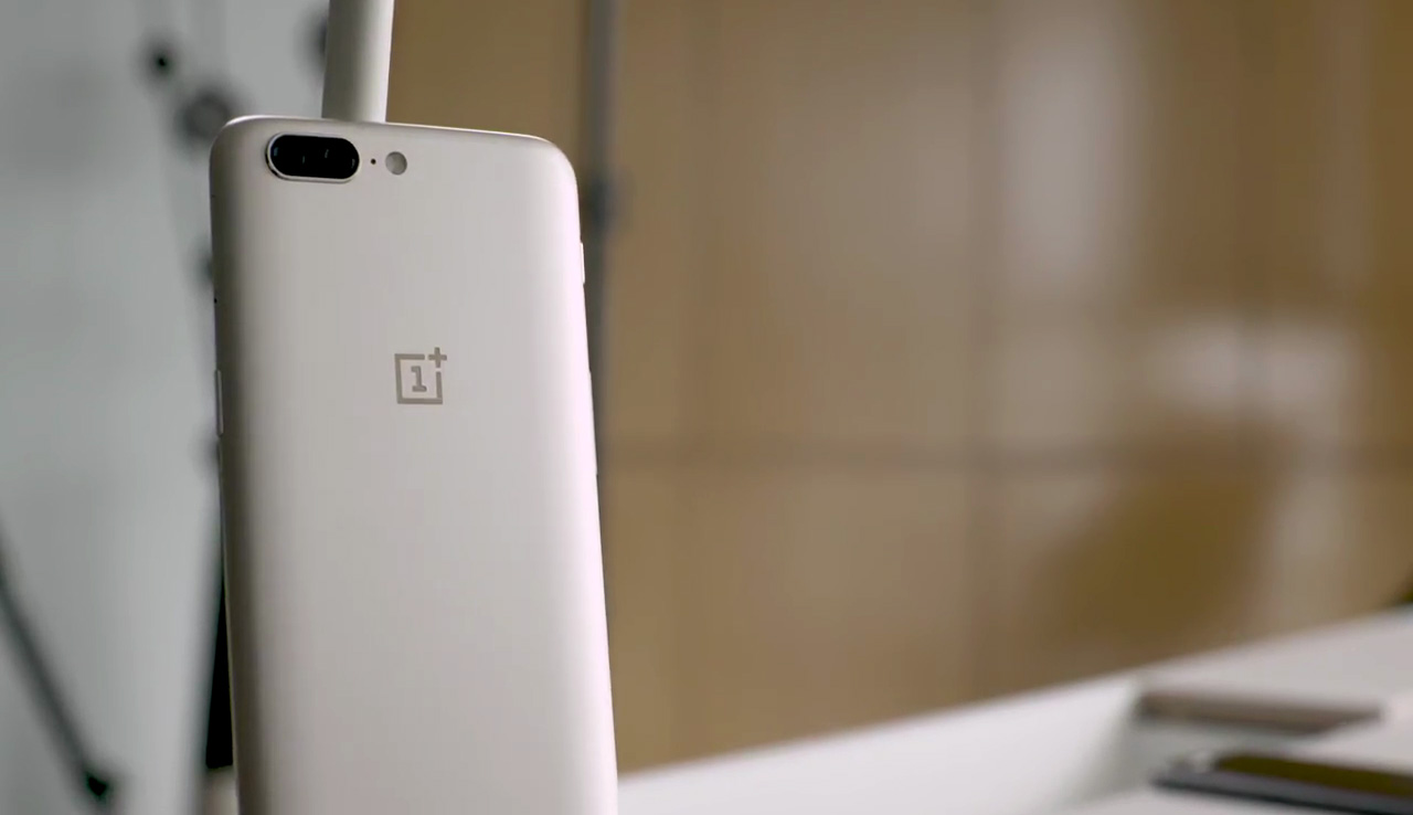 oneplus-5-back-gold-color-hands-on