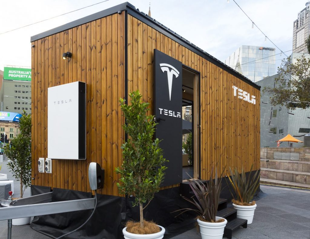 tesla_tiny_house-2017-08-14-03