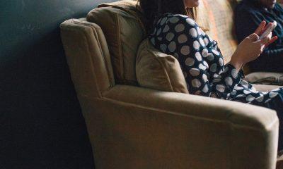 texting-on-sofa