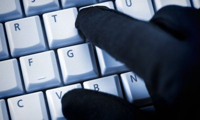 schwarze-hand-auf-computertastatur-datenklau_1516177826036110_v0_h