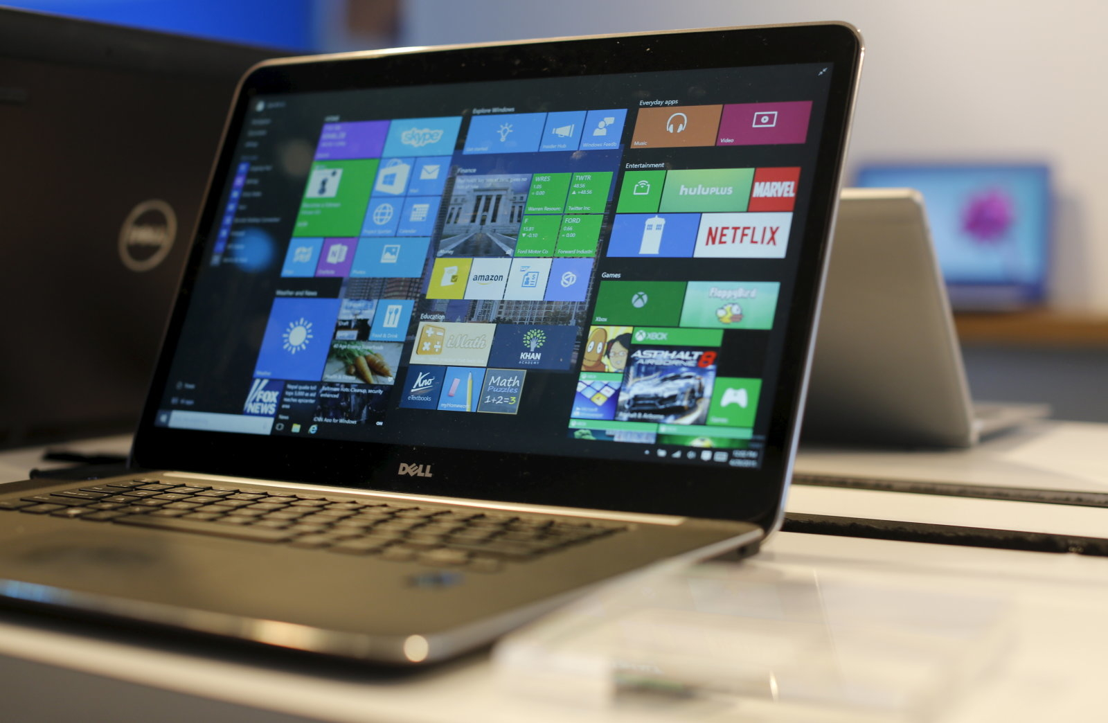 A laptop computer featuring Windows 10 is seen on display at Microsoft Build in San Francisco, California April 29, 2015. REUTERS/Robert Galbraith