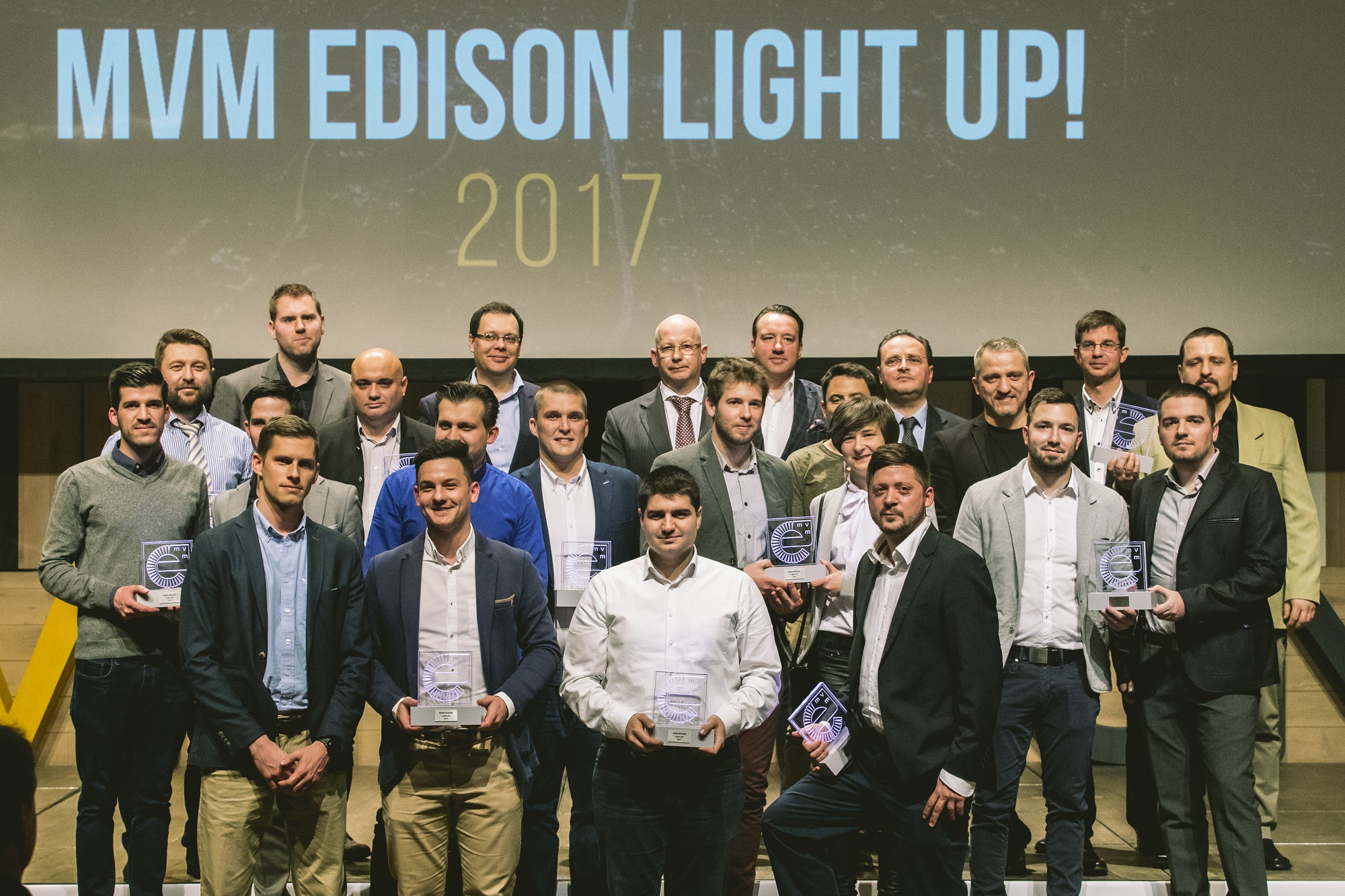 mvm_edison_light-up