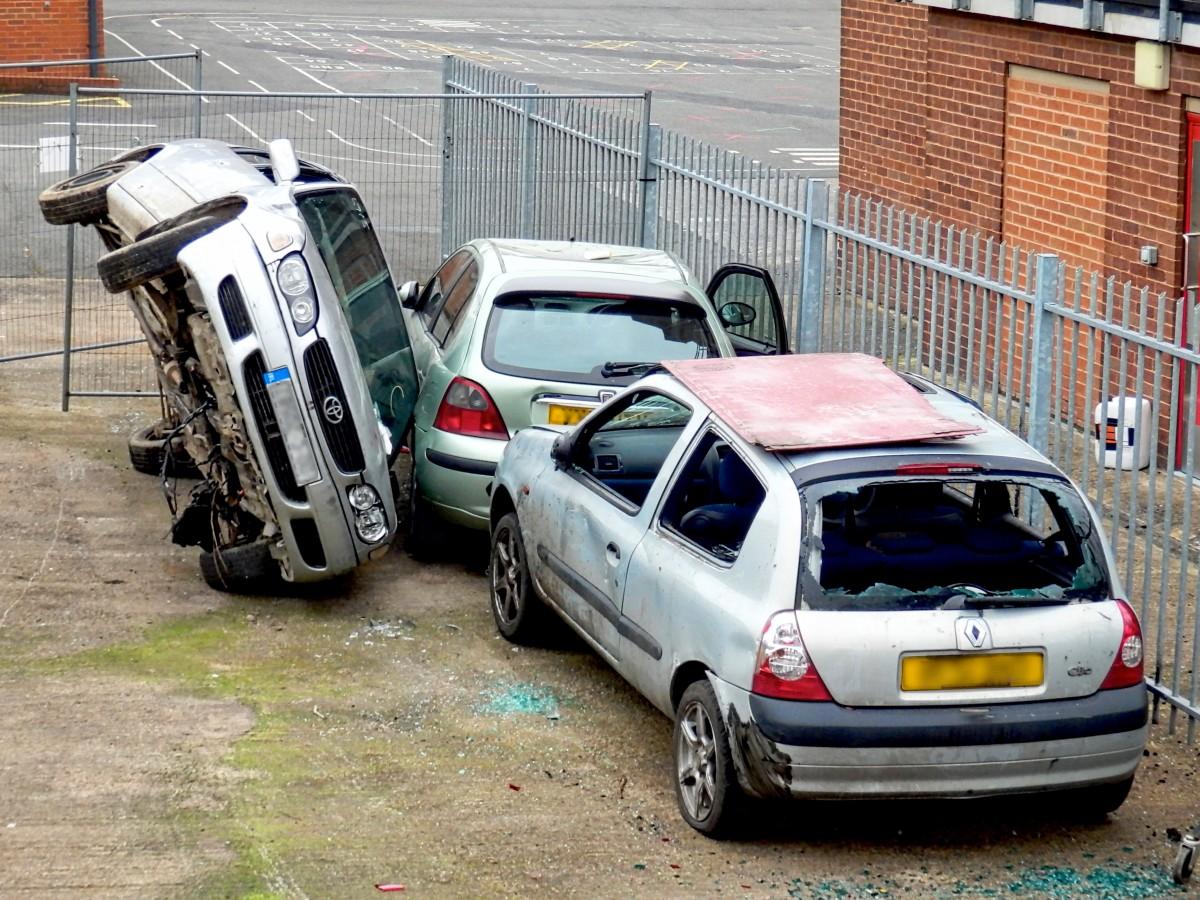 car_wreck_accident_crash_insurance_car_wreck_broken_automobile-455768