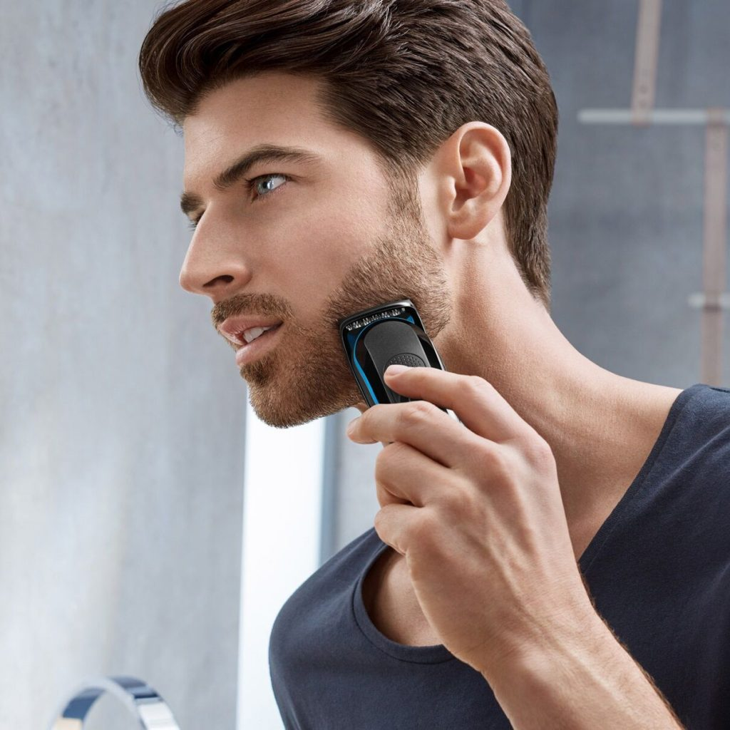 3-braun-beard-trimmer-mgk3045-in-use_preview