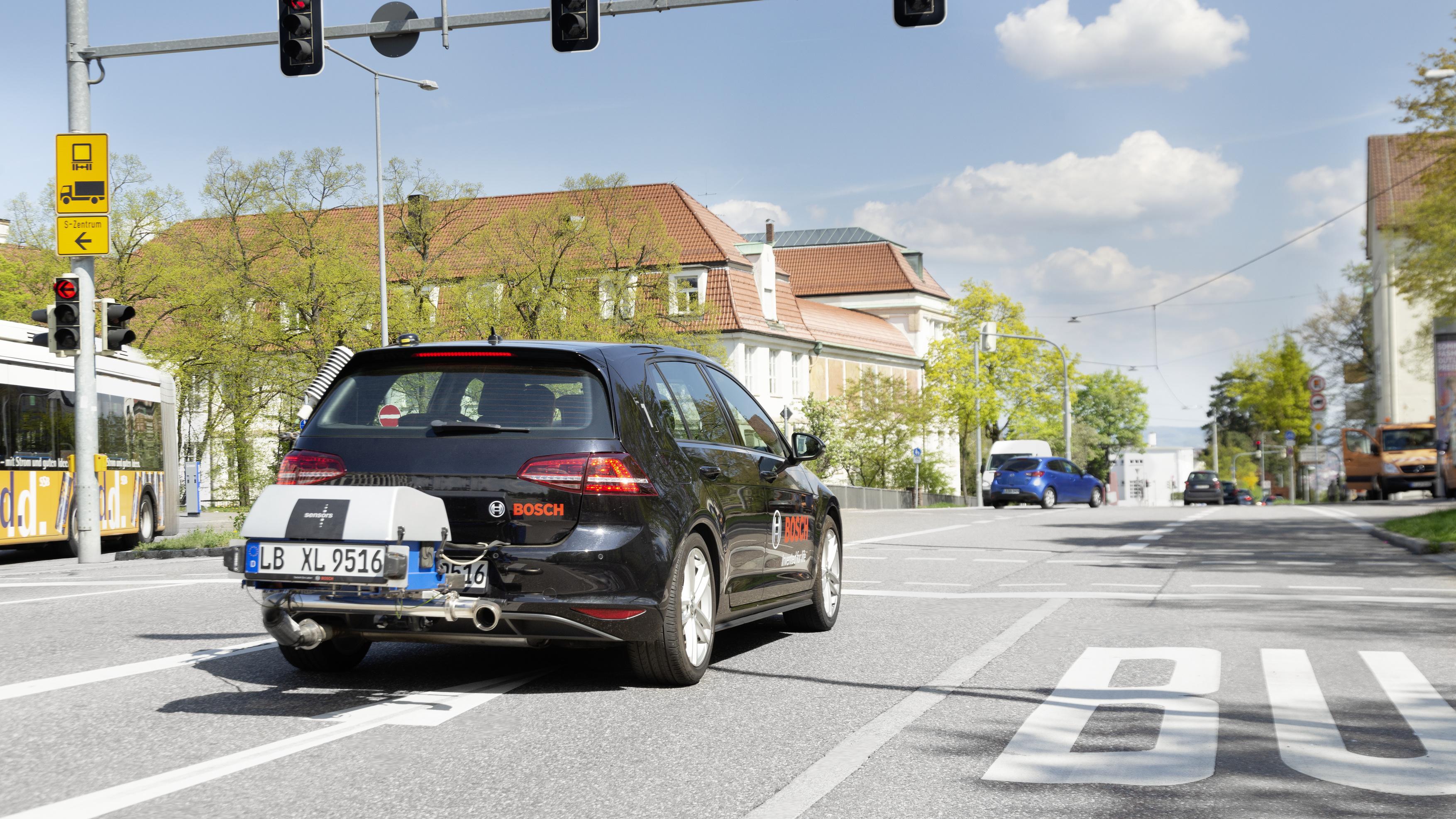 bosch_rde_city_driving1_0497261x4084_print_300_dpi
