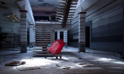 http-%2f%2fmashable-com%2fwp-content%2fgallery%2fseph-lawless-dead-malls-through-the-seasons%2fsephlawless_abandonedshoppingcart