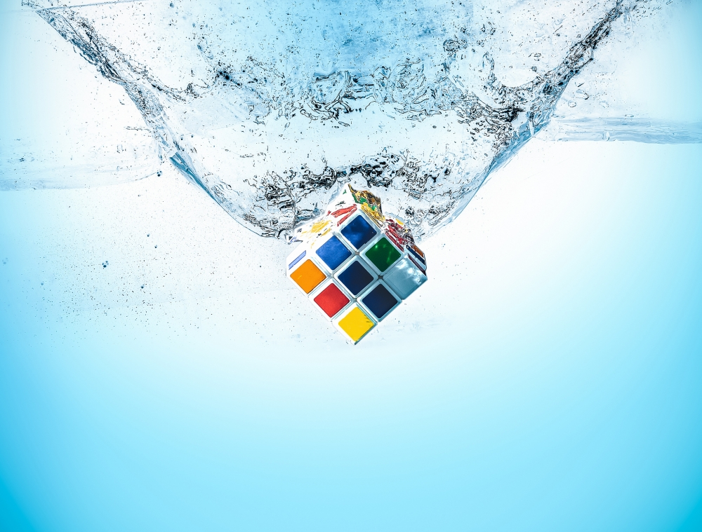 rubik-cube-water-water-splash-others-4449-resized
