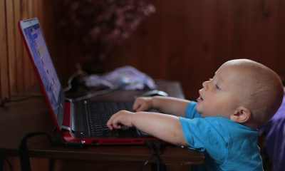 kid-notebook-computer-learns-159533